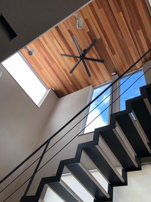 シースルー階段。