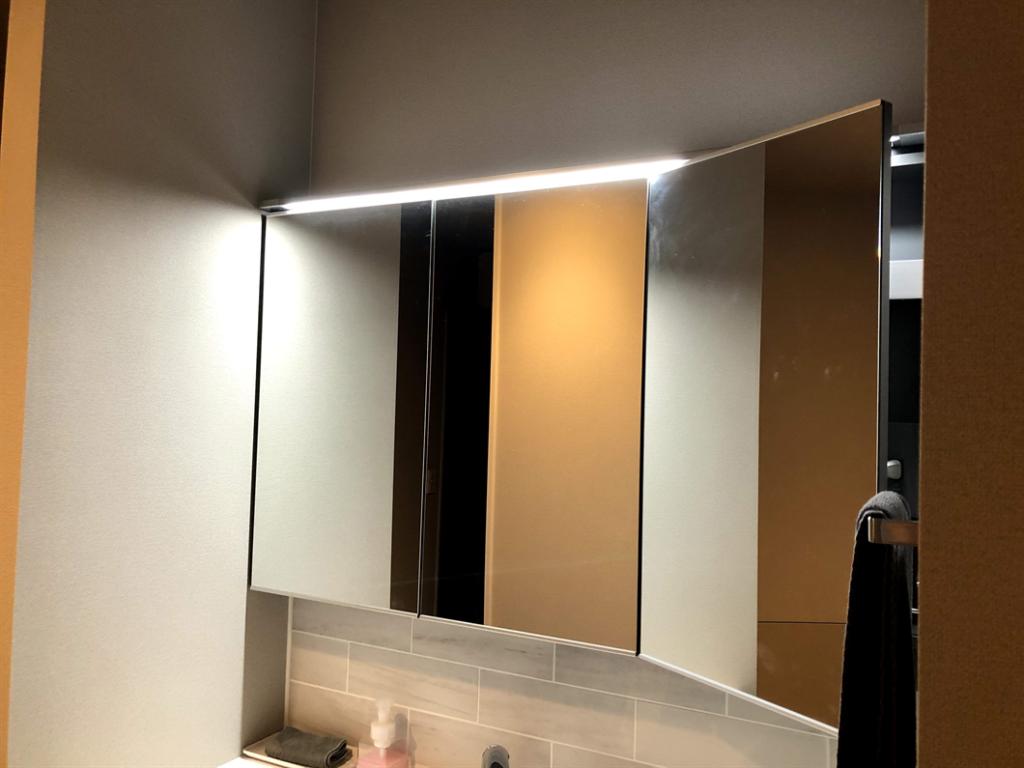 洗面台の照明